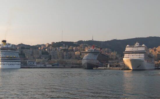 Diadema e Scarlet Lady a Genova